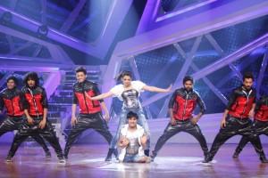 Vinod and Raksha performing with Rohan and Group on Nach Baliye-6